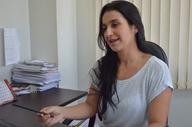 Viviane Araújo explica que redução de casos confirmados é um alerta para ampliar busca ativa para ampliação de diagnósticos