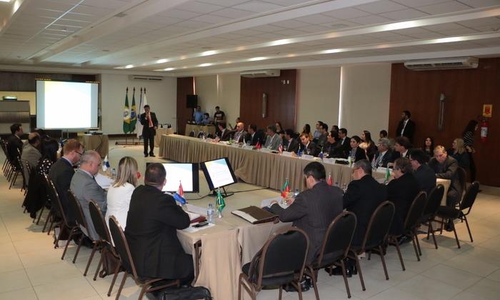 Representantes da CGE participam de evento para fortalecimento dos sistemas de controle interno no Brasil