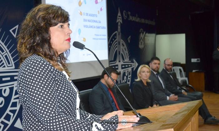 Superintendente Liliana Fava os membros da Vigilância Sanitária e ressaltou a importância do órgão no controle da qualidade e preço dos medicamentos