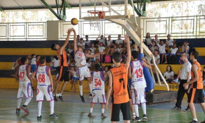 Equipe masculina do Colégio São Geraldo, de Paraíso, foi campeã na modalidade basquetebol
