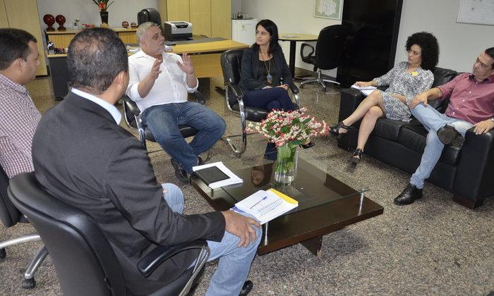 Diretora de Inteligência do Depen, Marlene Sousa, e o consultor do Ministério da Justiça (MJ), Guaracy Mingardi, durante apresentação do plano no Tocantins.