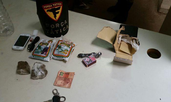 Drogas e objetos apreendidos pela PM em Araguaína.