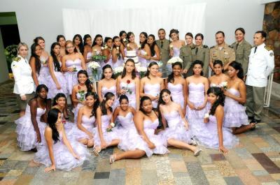 Baile Debutantes PROERD.JPG