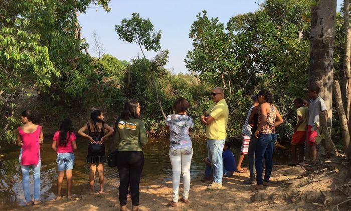 Alunos participam de Trilha Ecológica no Dia da Árvore
