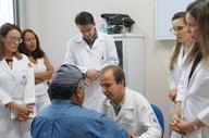 A hanseníase é uma doença de fácil diagnóstico, o tratamento é feito pelo SUS totalmente de graça por meios das Unidades Básica de Saúde (UBS)