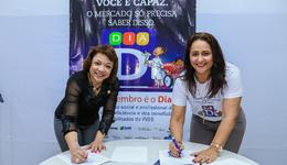 Secretária Patrícia e Márcia Rodrigues assim termo de compromisso
