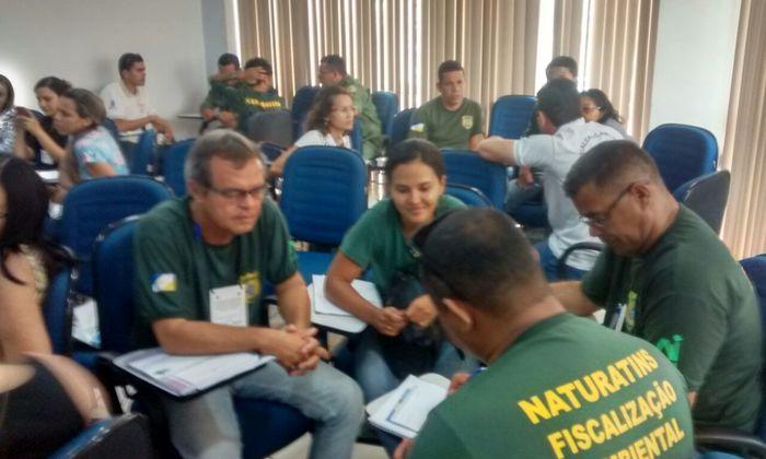 Dinâmica em grupo discute tema apresentado em capacitação
