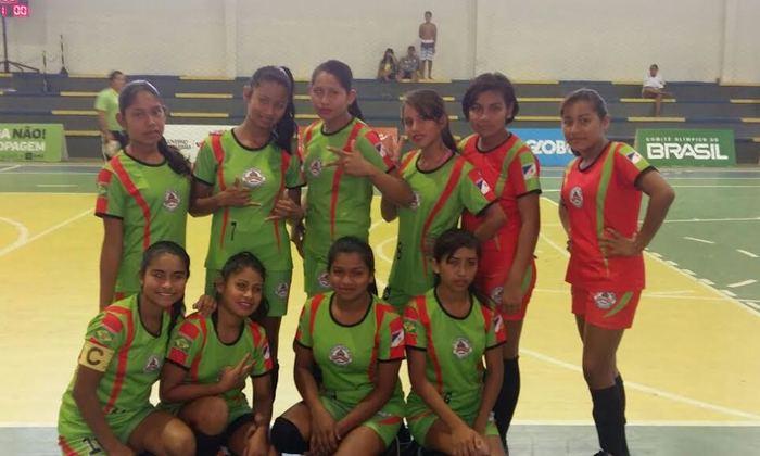 Time feminino de Futsal venceu na estreia por 3x2