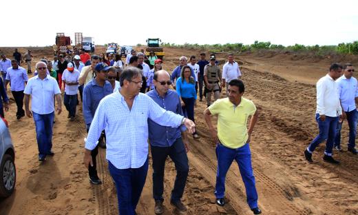 Governador Marcelo Miranda vistoria obras da TO-428