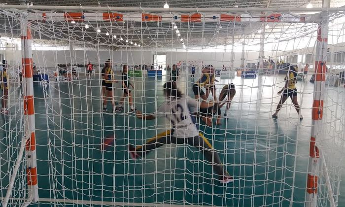 Em uma partida dura, as meninas do Handebol tocantinense venceram o DF e se classificaram para as finais