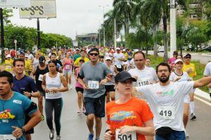Atletas durante a disputa da XV edição da Meia Maratona do Tocantins no ano passado - Washington Luiz_300.jpg