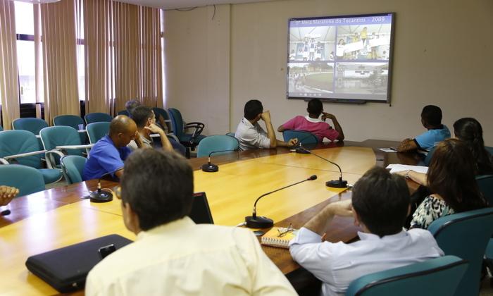 Técnicos da Seduc em reunião com alguns parceiros que irão trabalhar na XVI Meia Maratona do Tocantins