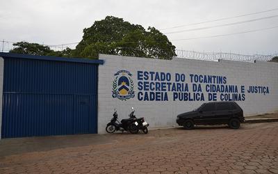 A unidade recebeu um muro de 4 metros de altura e portão fechado
