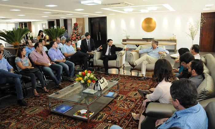 Durante o encontro, foram discutidas pautas, a fim de estabelecer um realinhamento de interesses entre Estado e empresariado