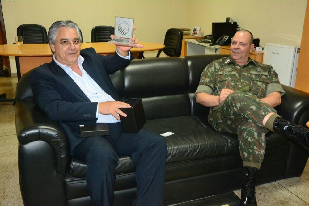 eddeb89afd ... Secretário da Segurança Pública recebe visita de General do Exército  Brasileiro ...