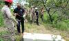 O trabalho da perícia precisou de ajuda dos Bombeiros para chegar até o local onde a ossada humana foi localizada