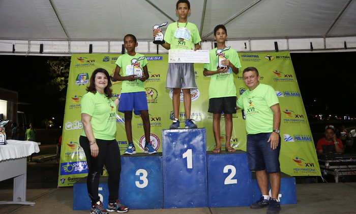 Pódio Meia Maratona do Tocantins 2016.JPG