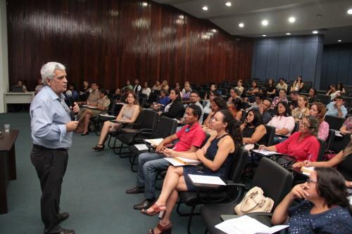 Professor Wilson Alves fala da importância do estudo dos indicadores educacionais