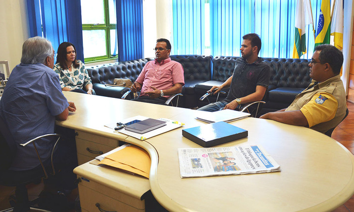 Detran/TO e prefeito de Paraíso, Moisés Avelino, debatem proposta de municipalização do trânsito na cidade.