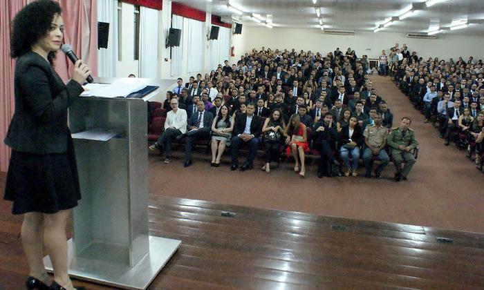 A secretária Gleidy Braga afirmou que para trabalhar no Sistema Socioeducativo é preciso