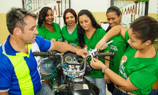 Projeto Jeito de Mulher inicia aulas práticas em quatro cidades tocantinenses
