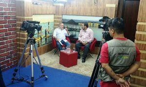 O programa Tribuna do povo é transmitido ao vivo ao meio dia
