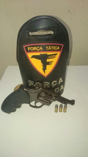 Arma apreendida pela PM em Araguaína durante operação.jpeg