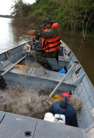 Material de pesca predatória apreendido em Pedro Afonso_300.jpg