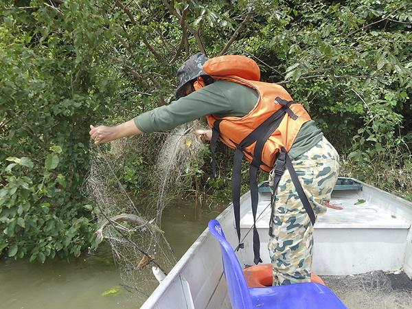 Com o aumento das chuvas elava o número de pescadores em busca do pescado
