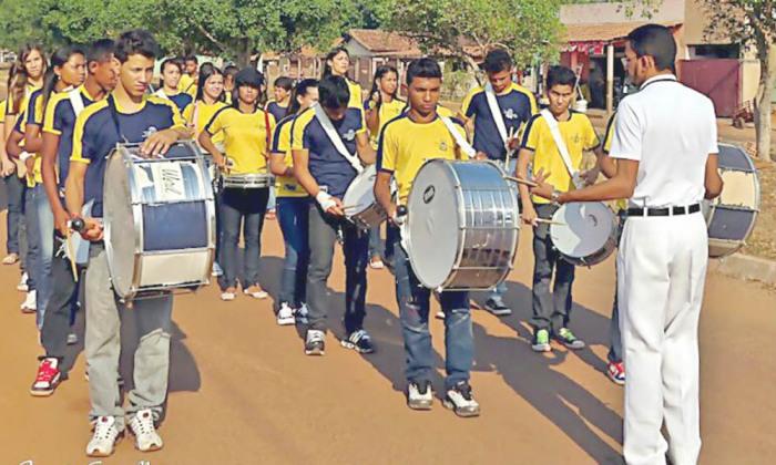 Mais de 500 alunos do ensino fundamental e médio participarão do desfile cívico na manhã de sábado