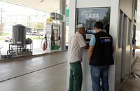 Em um dos postos, onde foi registrado o maior aumento, o litro do produto passou de R$ 3,73 para R$ 3,98, ou seja, R$ 0,26 a mais por litro