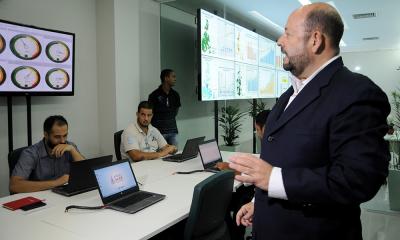 Secretário Marcos Musafir visita observa monitores do Integra SUS