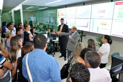 Secretário Marcos Musafir orienta e direciona visita guiada de gestores municípios