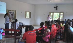 Na comunidade quilombola Barra de Aroeira o assunto chamou tanto a atenção que a  palestra foi transferida para a igreja católica, onde foi possível acomodar todos os alunos