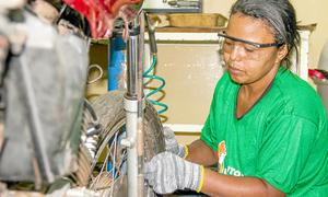 Mão na roda e esperança em garantir um emprego
