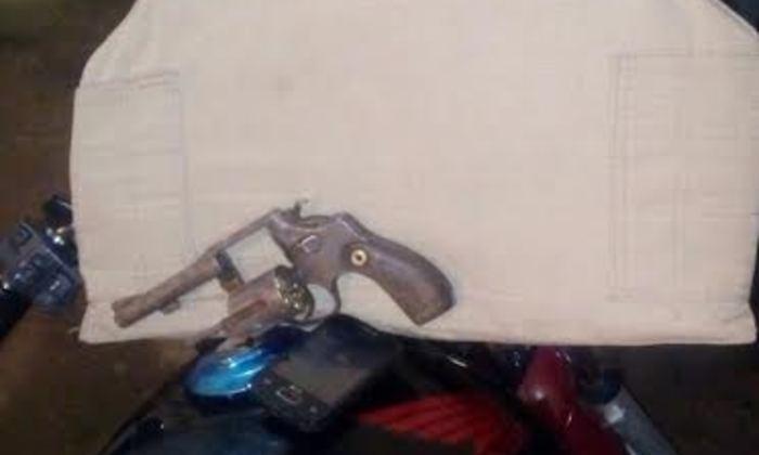 Arma e veículo apreendido pela PM em Gurupi.