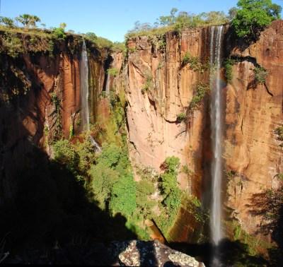 O Cânion Encantado é formado por quatro quedas d'água com mais de 70 m de altura.