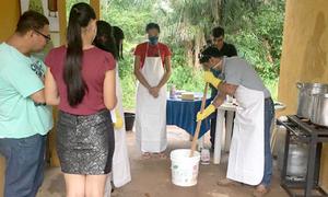 A primeira oficina de sabão de óleo de cozinha foi realizada por técnicos da Secretaria do Meio Ambiente e Recursos Hídricos