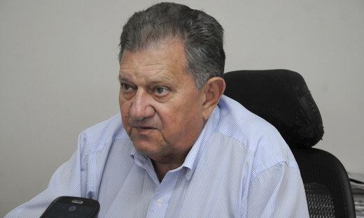 O secretário da Agricultura do Tocantins, Clemente Barros, ressaltou que o Estado segue rigorosamente a legislação e mantém mais de trinta veterinários à disposição do SIF para fazer o trabalho de inspeção na hora do abate