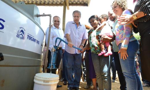 Governo entrega mais de mil cisternas e 10 pequenas barragens no sudeste do Estado