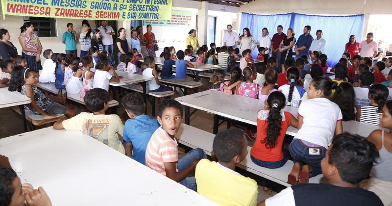 A equipe técnica da Seduc visitou unidades educacionais no município