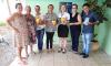 Hóspedes da Casa de Apoio Vera Lúcia Pagani receberam 300 latas de leite em pó provenientes da arrecadação de um desfile de moda organizado pela empresária Silvia Dacs