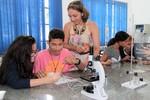 Professora Marcia  - Aulas práticas despertam o maior interesse dos alunos
