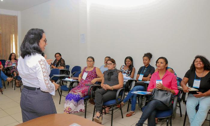 Dinâmicas em grupo e aulas expositivas são parte das metologias da oficina