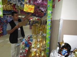Fiscais do Procon-TO fazem levantamento do preço de ovos de chocolate