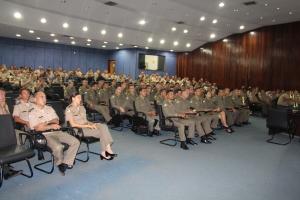 Policiais Militares  durante a abertura do CAO no Quartel do Comando Geral da PM.JPG