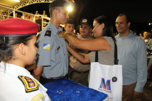 Entrega de condecorações a aluno do Colégio da Polícia Militar_300.jpg