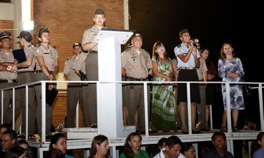 Estudantes do Colégio da Polícia Militar de Palmas receberam medalhas de condecorações pelos méritos alcançados nos desempenhos pedagógico e disciplinar