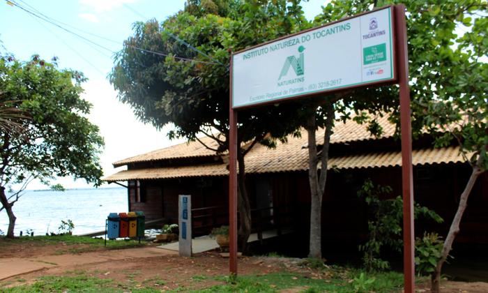 A Base de Apoio, que foi toda reformada, está localizada na praia da Graciosa em Palmas