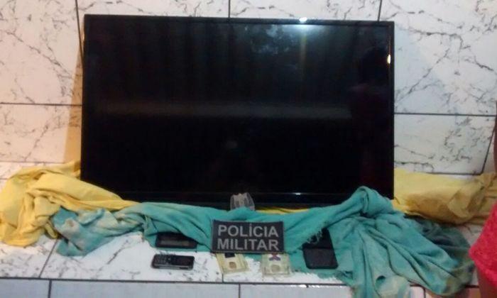 Televisor apreendido pela PM em Gurupi objeto de furto em residência.